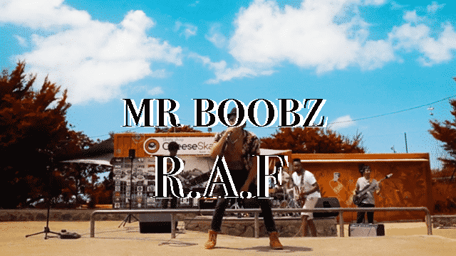 """Mr Boobz te montre qu'il n'en a """"RAF"""""""