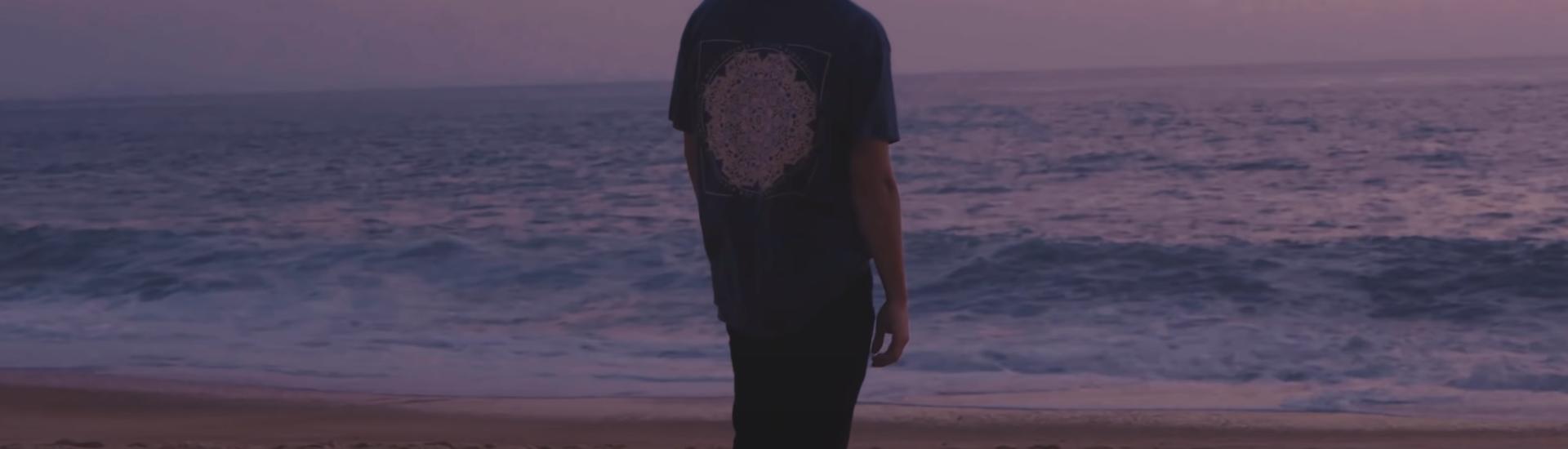 "Rawb dévoile son 1er album ""The Beachfront"""